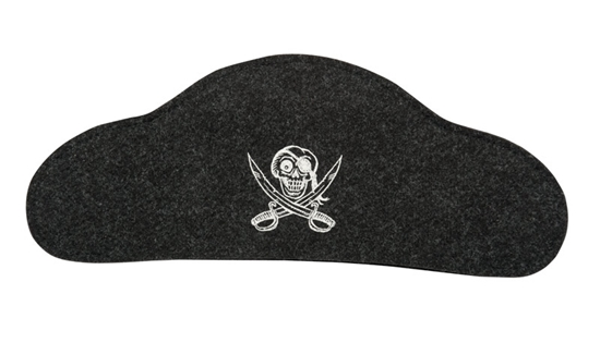 Zwarte vilten piraten hoed met vooraan in het midden een witte piraten opdruk.