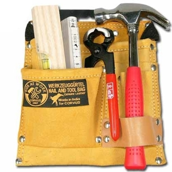 Picture of Set of tools with tool belt