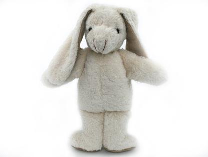 Wit pluchen konijn in bio katoen, rechtstaand met lange oren.