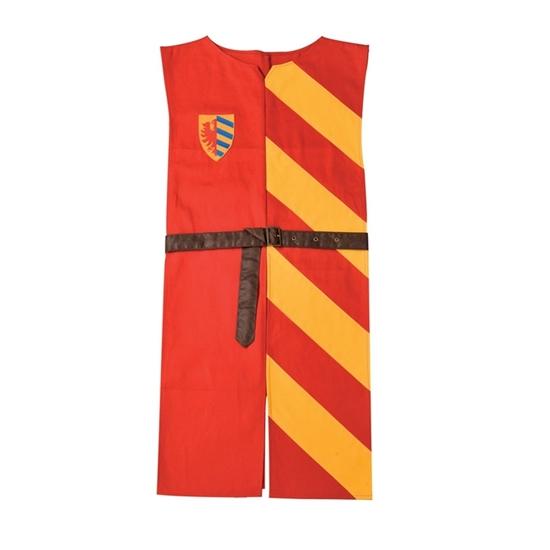 Lange ridder tabberd in zuiver katoen met kunstlederen riem. De rechter zijde is effen rood met een wapenschild op de borst, de linker zijde is gestreept rood en geel.
