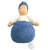 Poupée boîte à musique au corps bleu, bonnet bleu et sweatshirt blanc. Visage peint à la main.