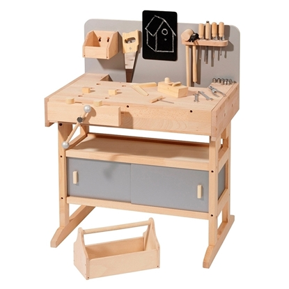 Picture of Workbench with 32 tools