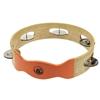 Cercle en bois couleur nature percé de 5 ouvertures portant chacune une paire de disques en cuivre qui résonnent quand ils sont agités. Un quart du cercle n'et pas percé et est peint en orange.