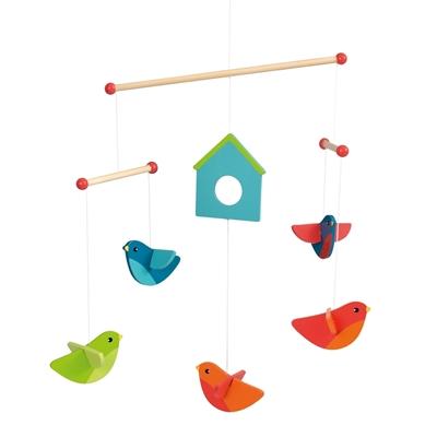 Houten mobiel met een vogelkast  met 5 vogeltjes errond 2 rode, 1 groen en 2 blauwe.